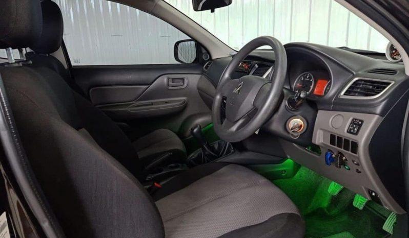Mitsubishi Triton 2.5 GLS เกียร์ MT ปี58/15 ราคา 380,000 บาท full